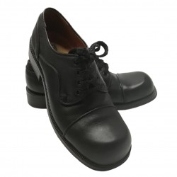 Black leather shoes with 4...
